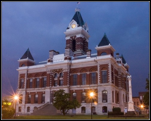 courthouse at night border